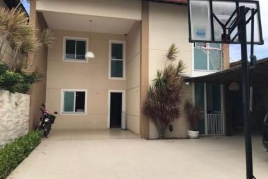 Casa em Condomínio com 03 suítes na Sapiranga