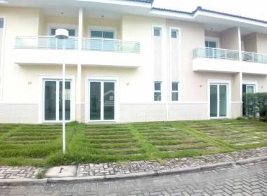 Casa em Condomínio na Messejana com 02 Suítes