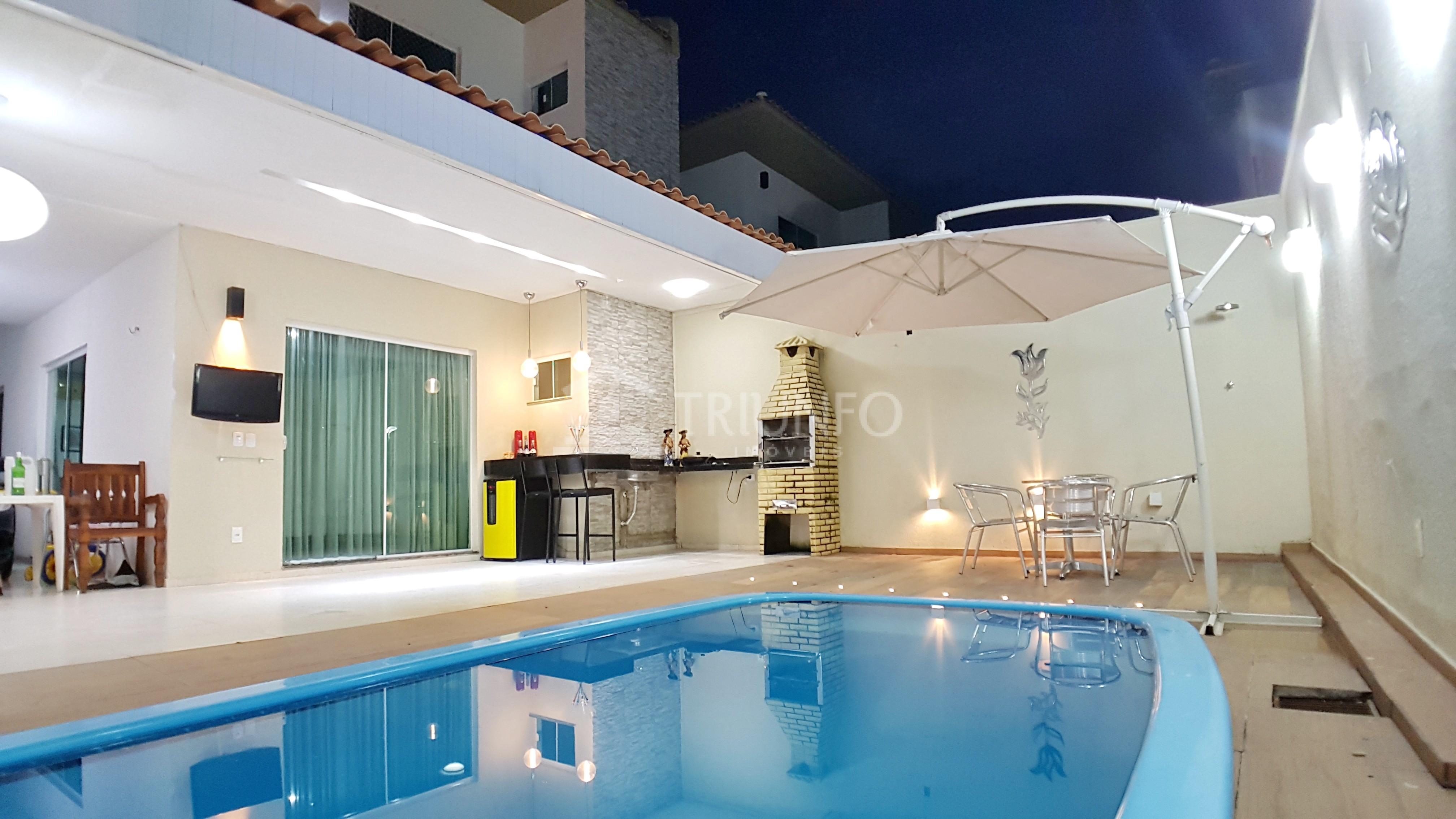 Casa em Condomínio com 04 Suítes em Piçarreira