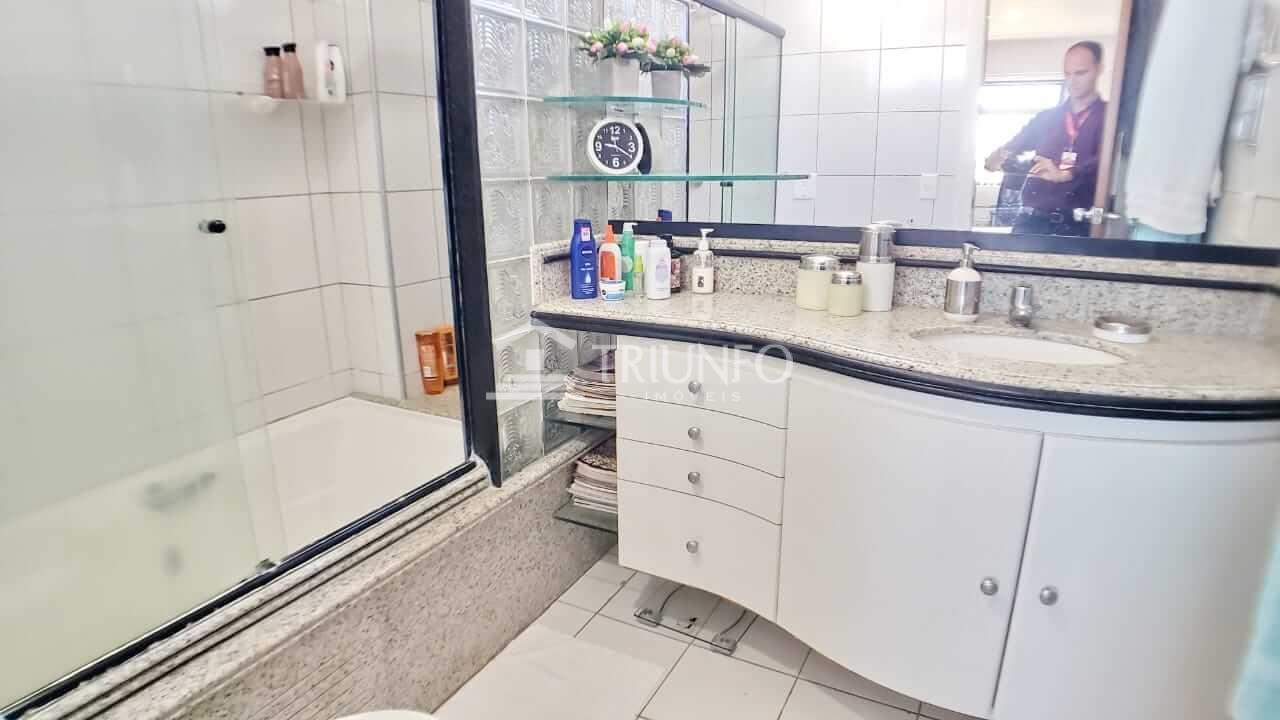 Apartamento a venda com 03 Quartos no Cocó