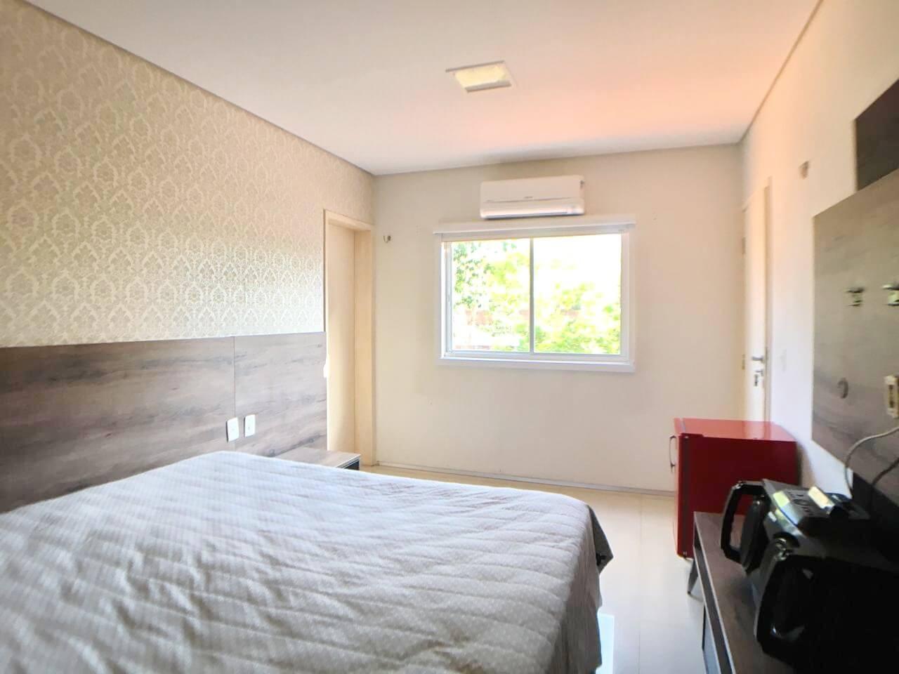 Casa com 04 quartos no Gurupi