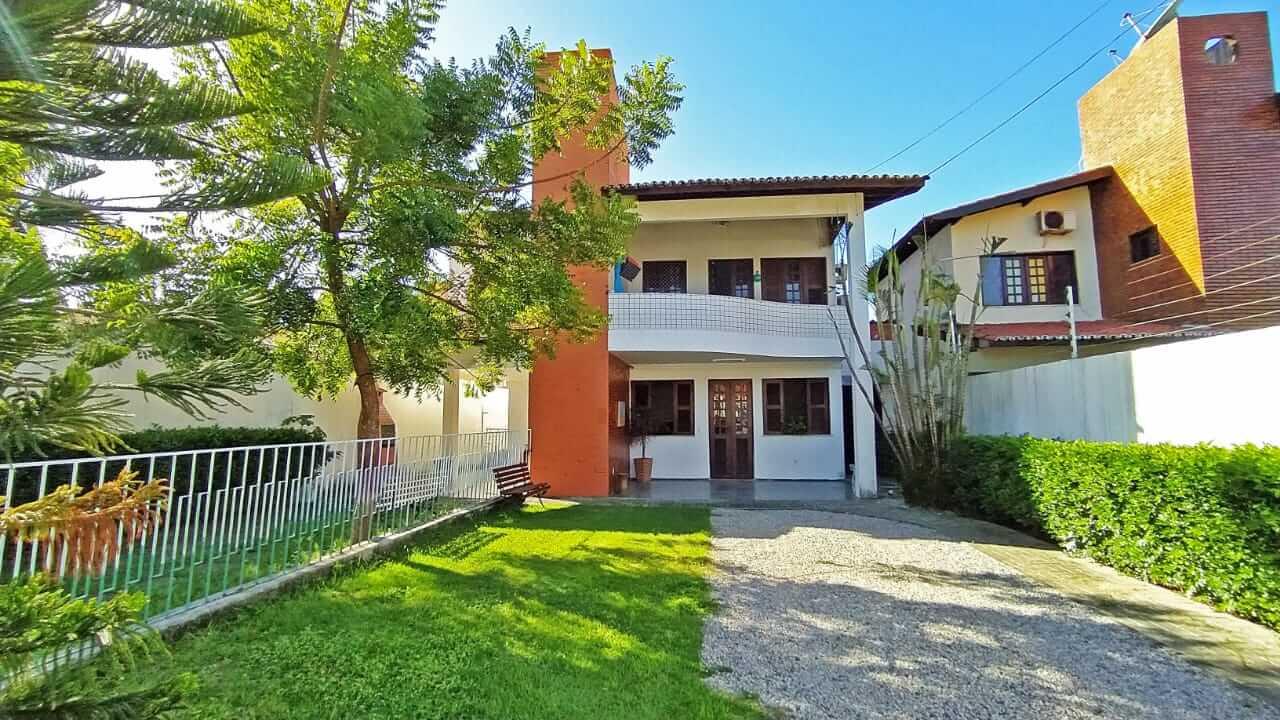 Casa Duplex com 05 Quartos na Sapiranga