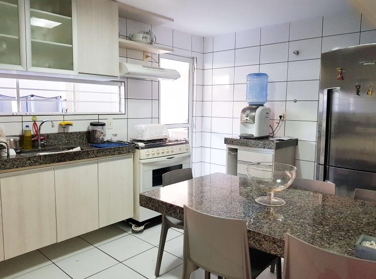 Casa a venda na Morada do Sol com 04 Quartos