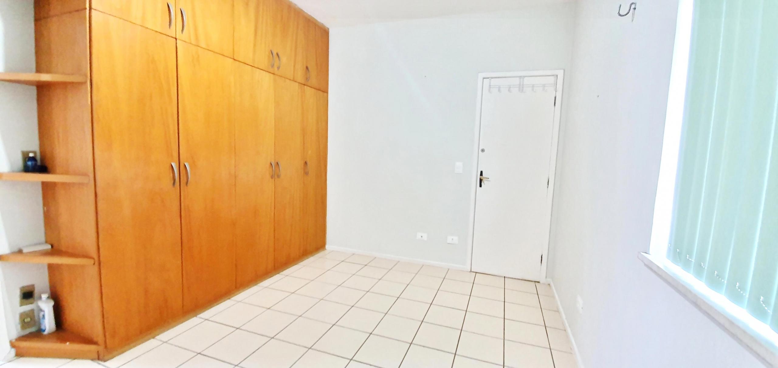 Apartamento com 03 Quartos no Jóquei Clube