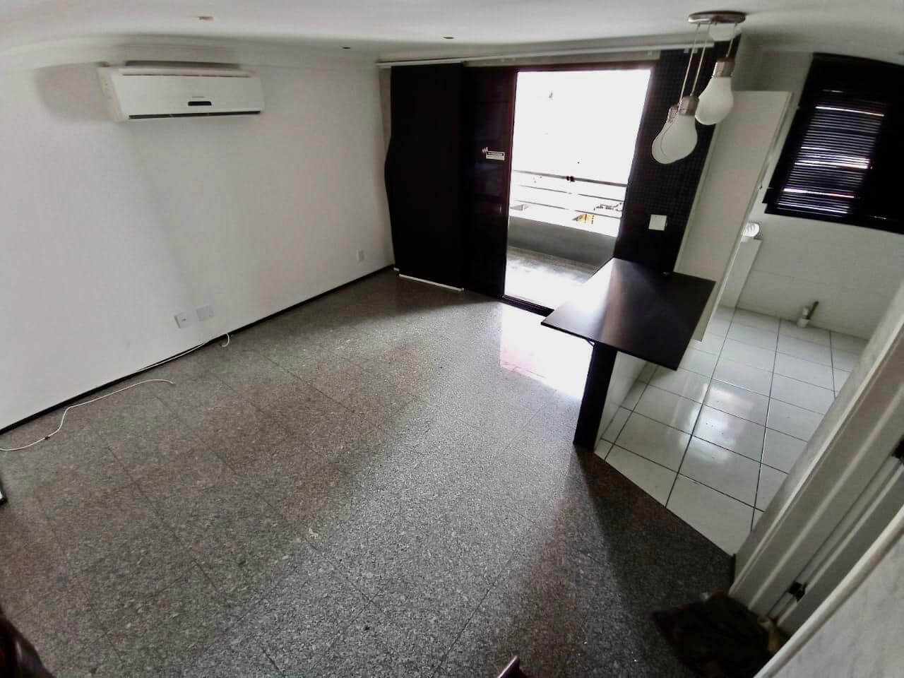 Apartamento com 02 Quartos no Meireles