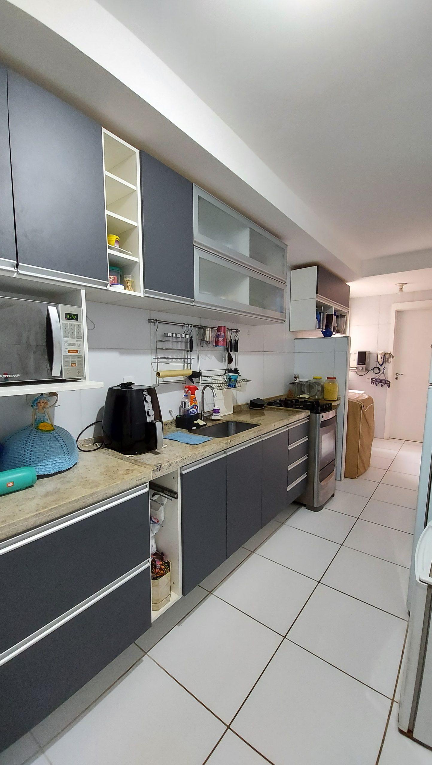 Apartamento à Venda no Calhau com 03 Quartos