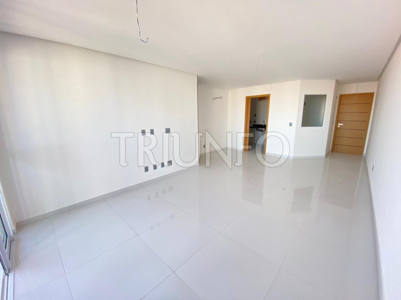 Apartamento a venda na Península com 3 suítes