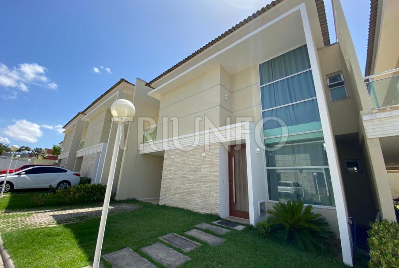 Casa em Condomínio com 03 Suítes no Eusébio