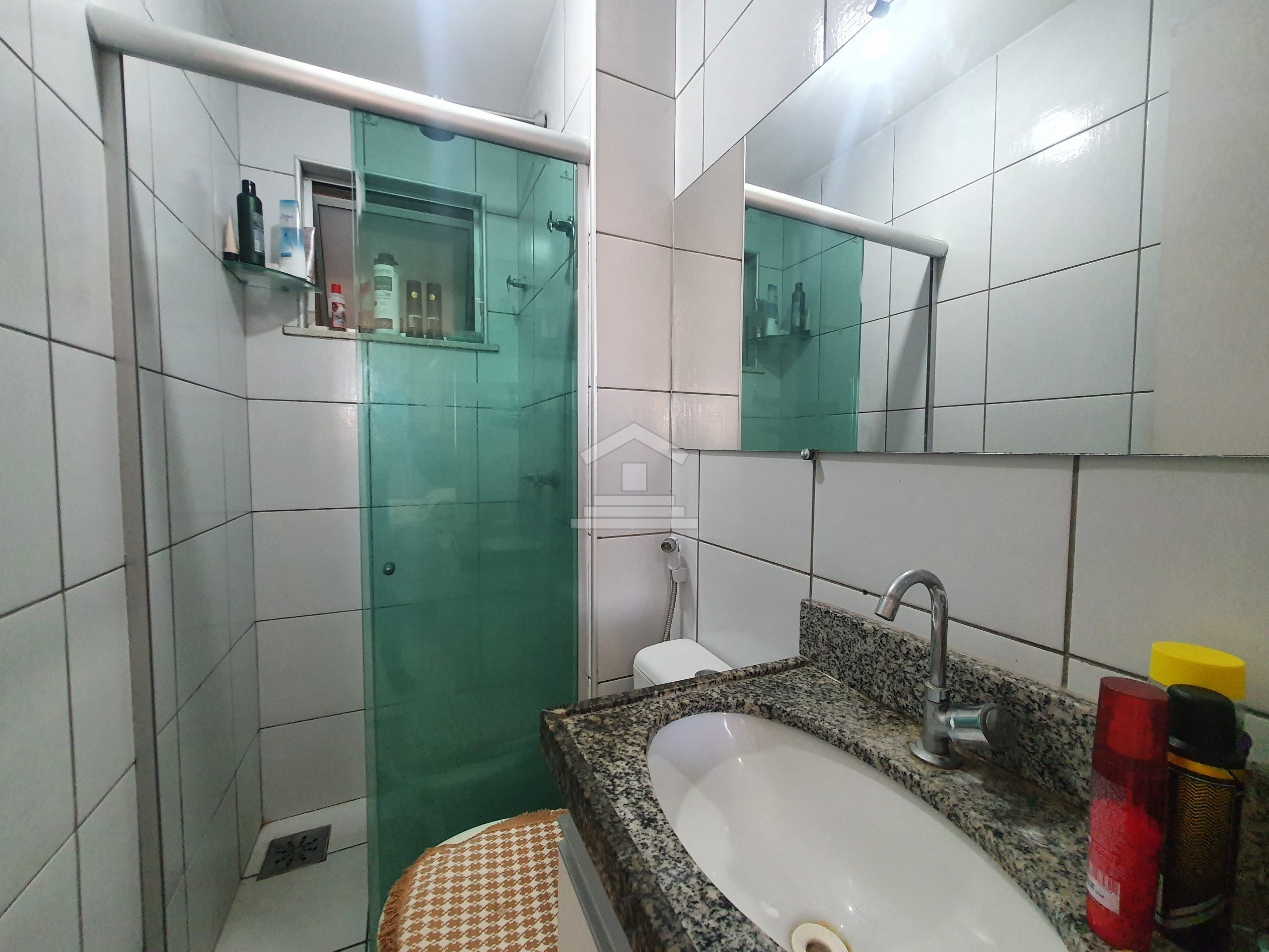 Apartamento com 02 quartos no Messejana