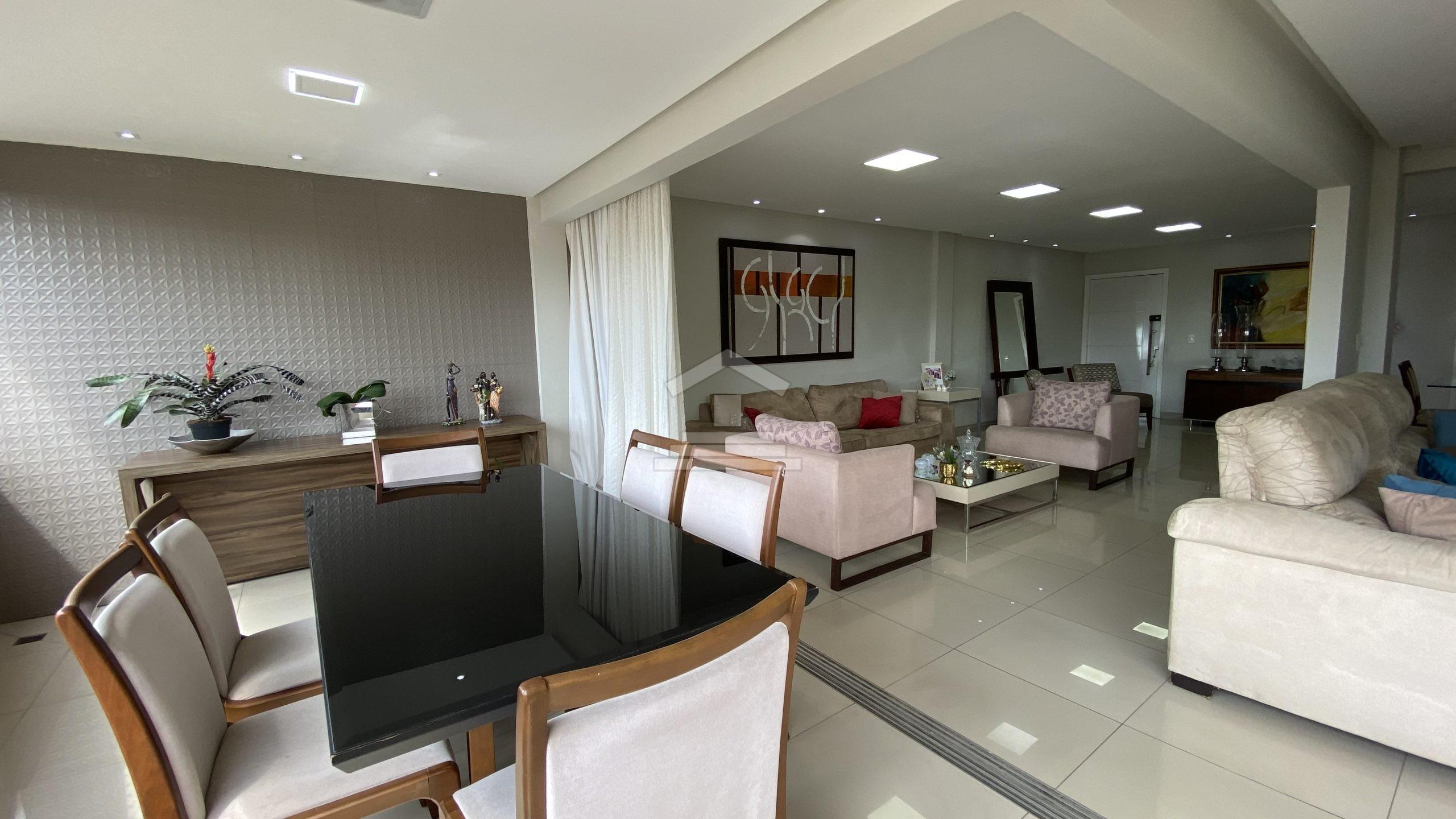 Apartamento com 03 suítes no Turu