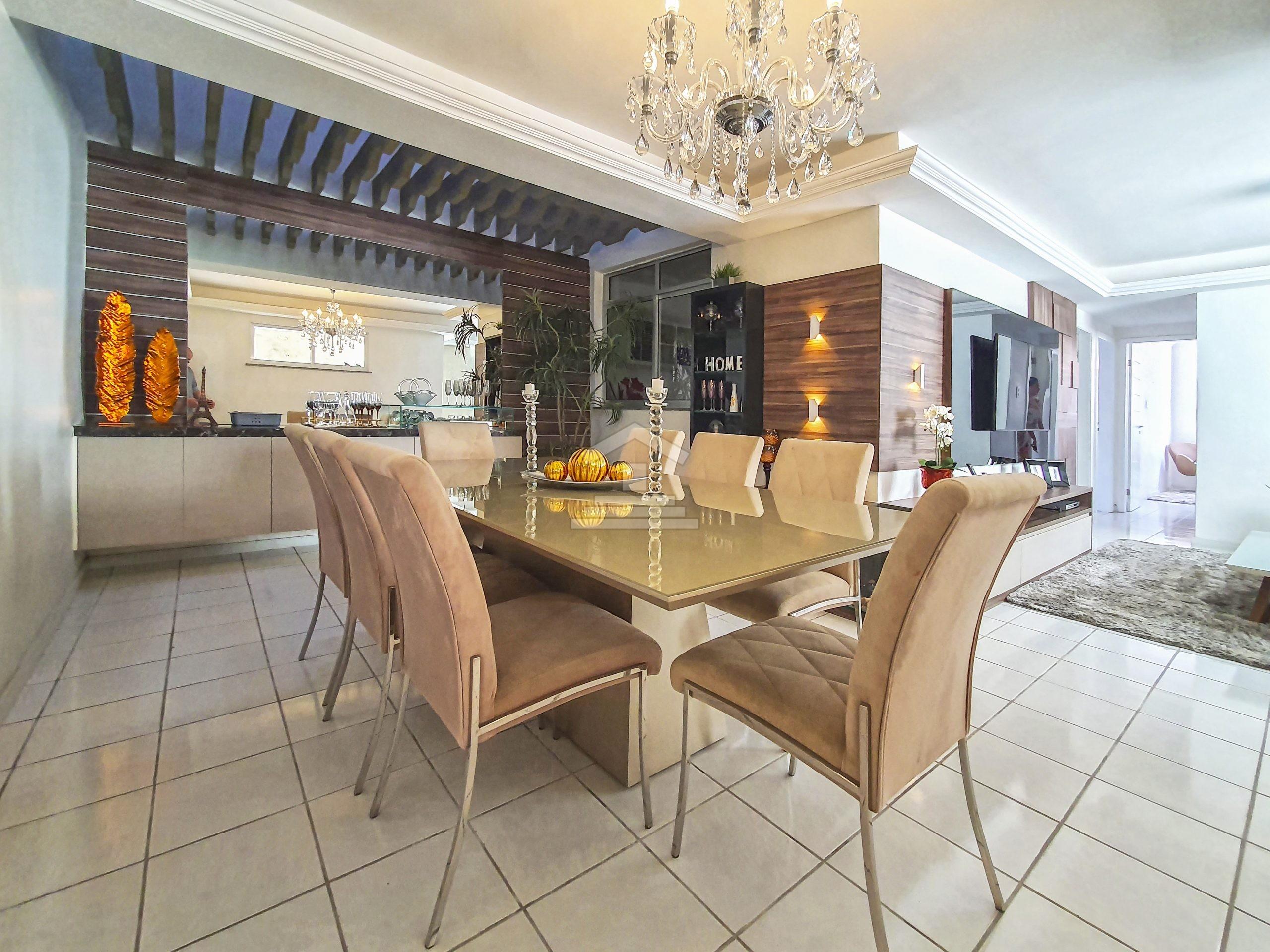 Casa com 03 quartos na Parangaba