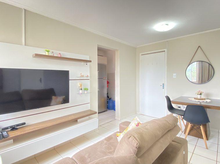 Apartamento com 02 quartos no Turu