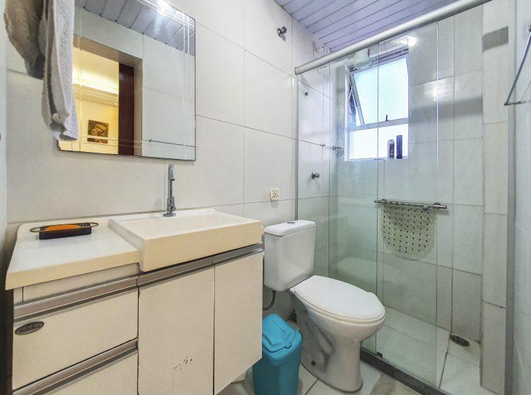 Apartamento com 03 suítes no Meireles