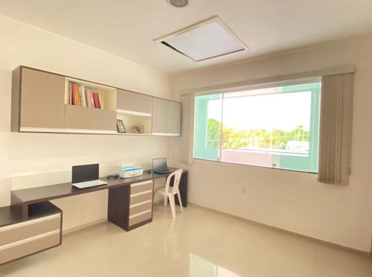 Casa com 04 quartos no Araçagy