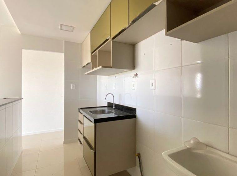 Apartamento no Olho D'água com 02 quartos