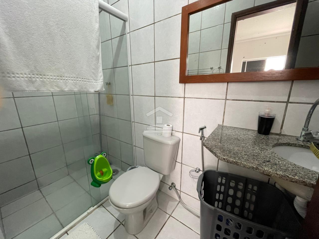 Casa em condomínio com 04 quartos na Cohama