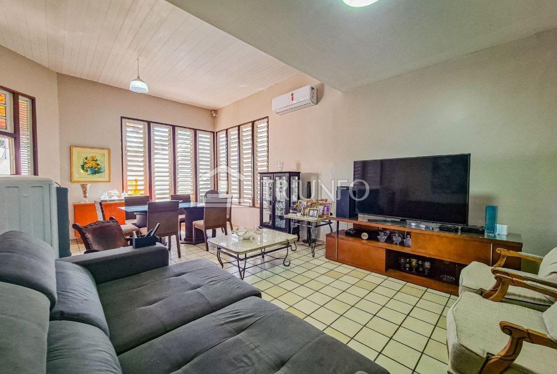 Casa a venda no Ininga com 04 Suítes