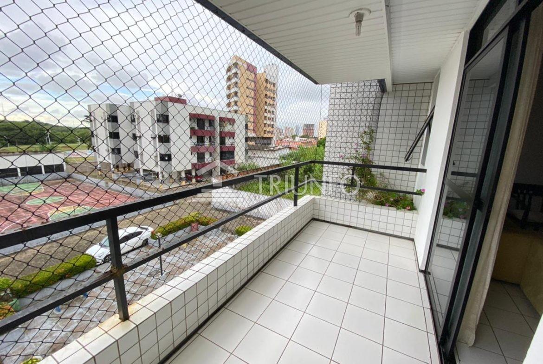 Apartamento com 03 quartos na Ponta do Farol