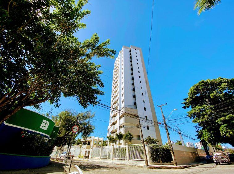 Apartamento com 04 quartos na Varjota