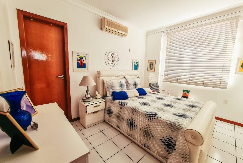 Apartamento com 03 suítes no Jóquei Clube