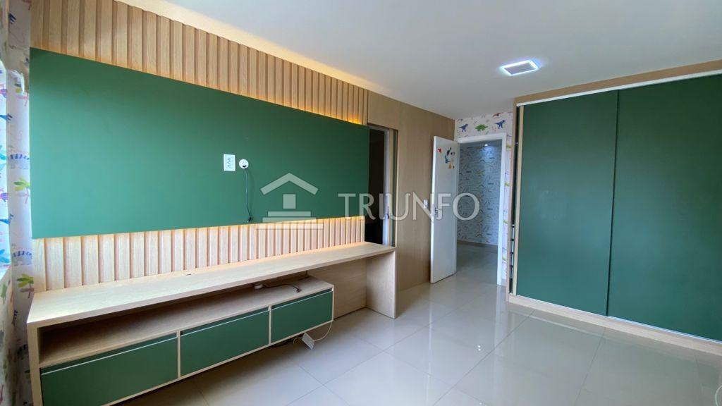 Apartamento na Ponta do Farol com 03 Suítes