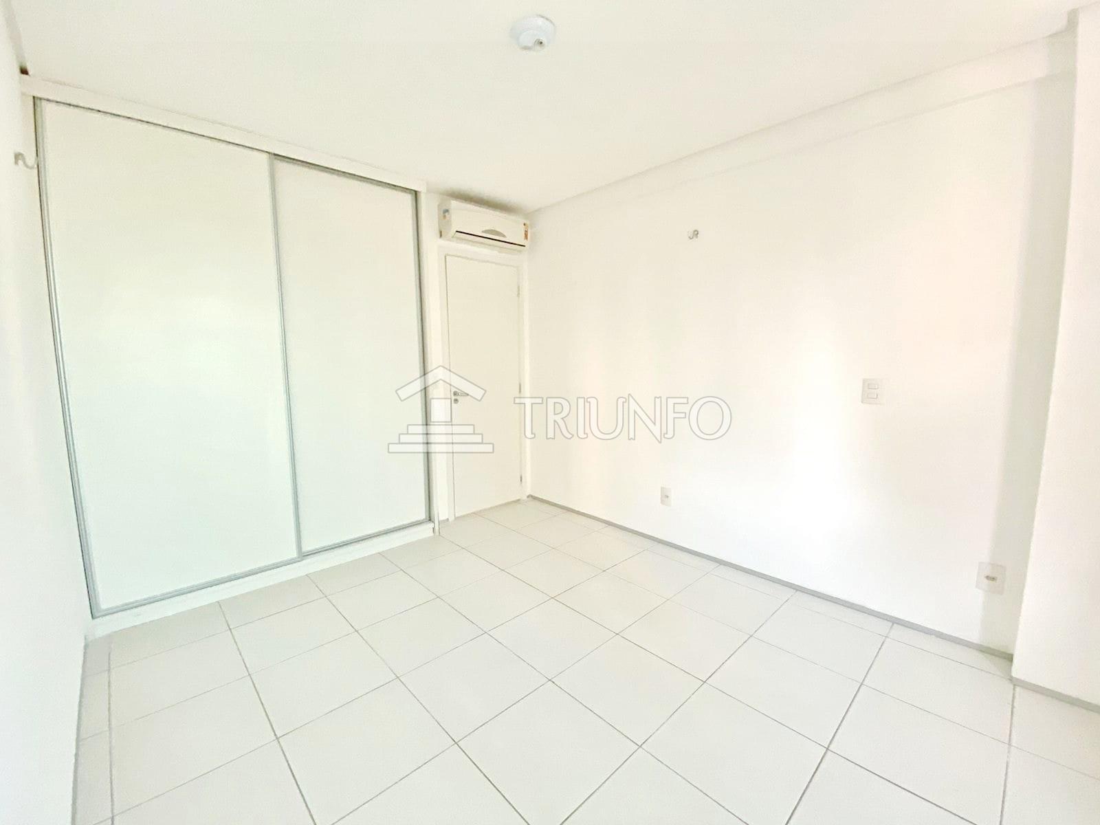 Apartamento no Jóquei com 03 Suítes