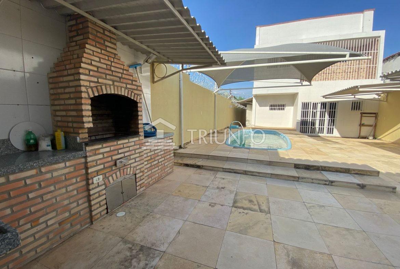 Casa a venda no Centro Sul com 04 Suítes