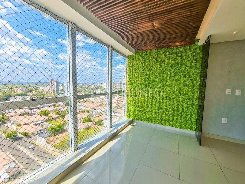 Apartamento no Bairro de Fátima com 02 Suítes