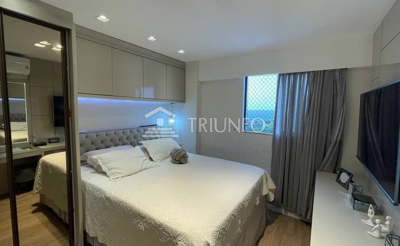 Apartamento na Ponta do Farol com 03 quartos