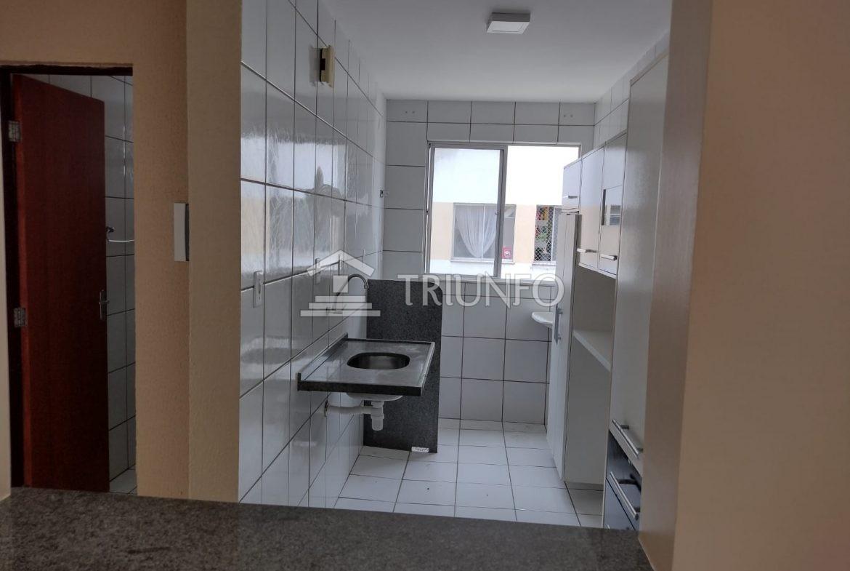 Apartamento com 02 quartos na região da Cohama